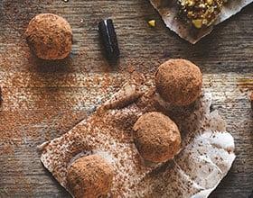 כדורי שוקולד חלבון ממכרים לחיטוב