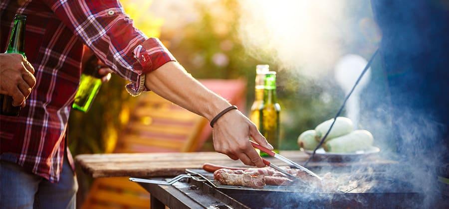 ארוחת מנגל היא דרך מהנה במיוחד להכנת אוכל בסוכות, אך לא בריאה במיוחד