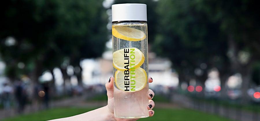דרכים לשתות יותר מים
