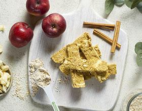 חטיפי חלבון עם תפוחים ללא אפיה