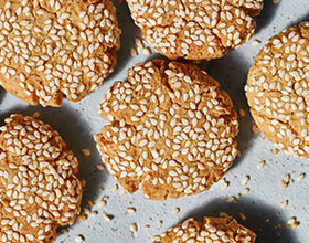 עוגיות טחינה ושקדים