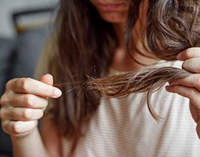 10 טיפים מעולים לטפל בנשירת שיער